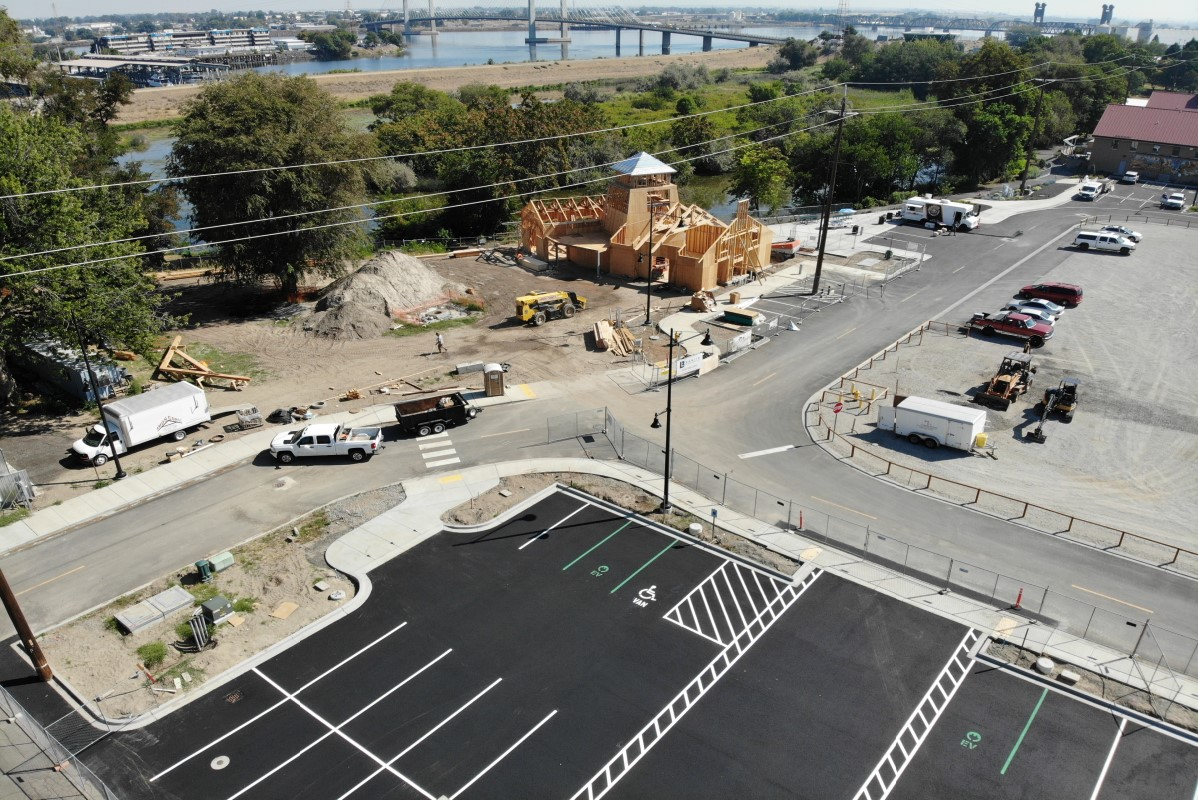 Aerial image showing new tasting room building under construction.