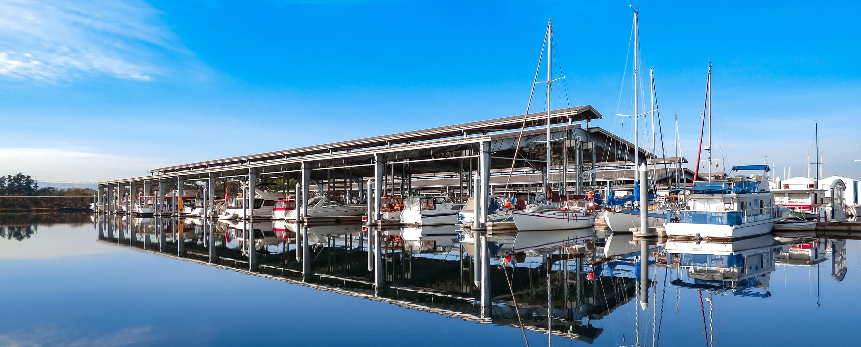 Clover Island Marina docks.
