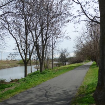 Public pathway along the interior Columbia River waterfront at The Willows.