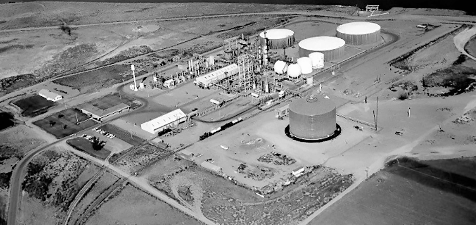 Historic aerial of Phillips Pacific Chemical, now Agrium.