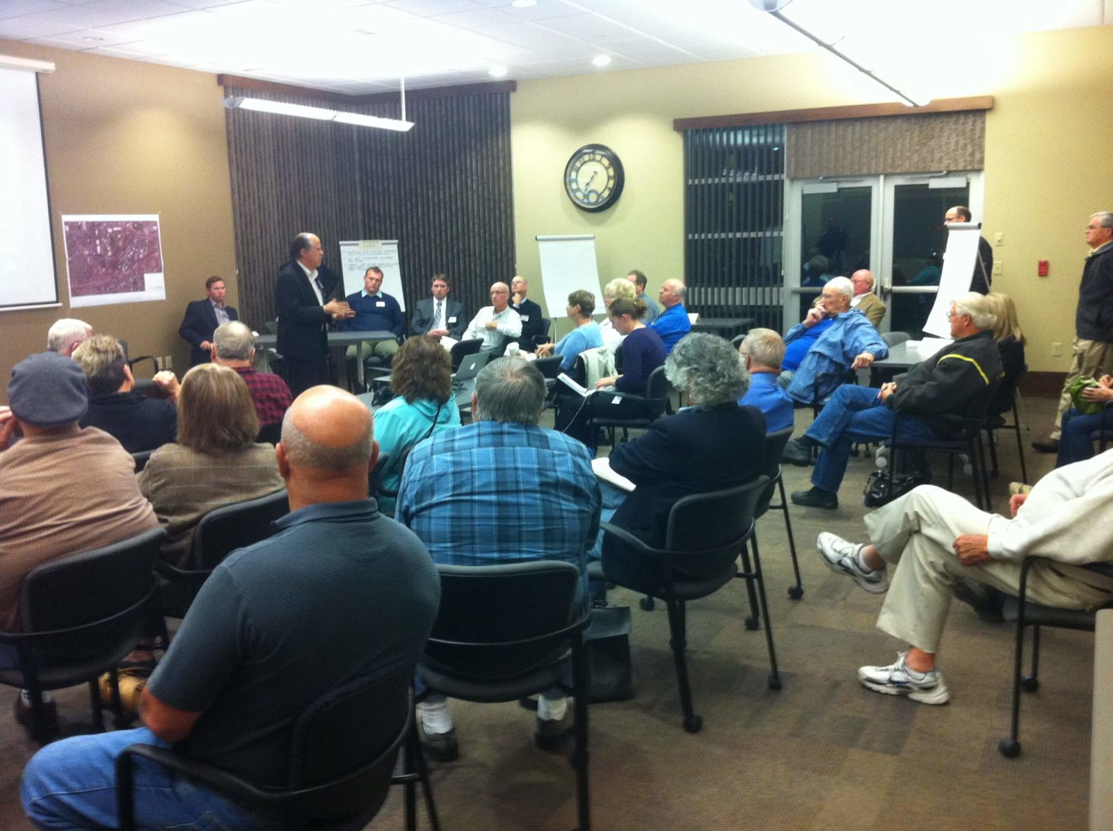 DPZ team talks with audience at Vista Field EIS Scoping Meeting.