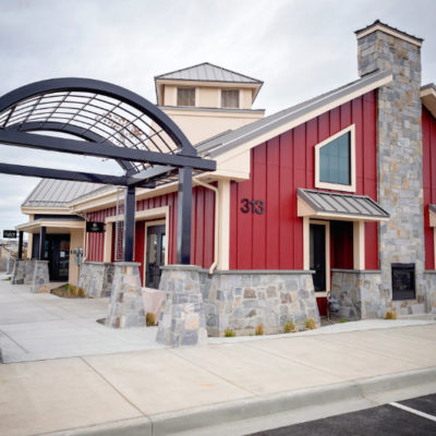 Gordon Estate Winery and Cave B Winery tasting rooms building at Columbia Gardens.
