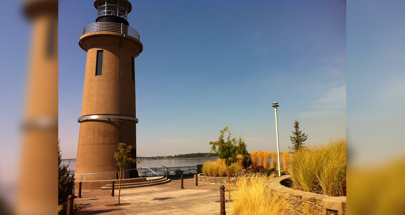 Clover Island Lighthouse and Lighthouse Plaza in fall.